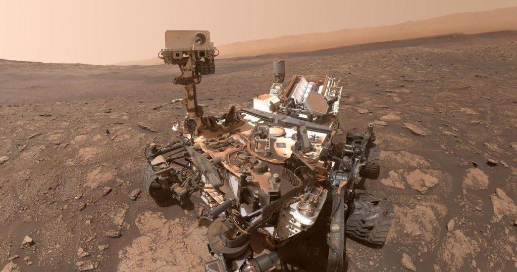NASA's Curiosity spacecraft celebrates 3,000 days on Mars with an intense panorama